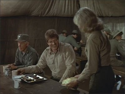 M*A*S*H - Season 7 Episode 14: An Eye for a Tooth