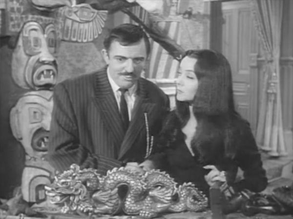 The Addams Family - Season 2 Episode 23: Morticia, the Decorator