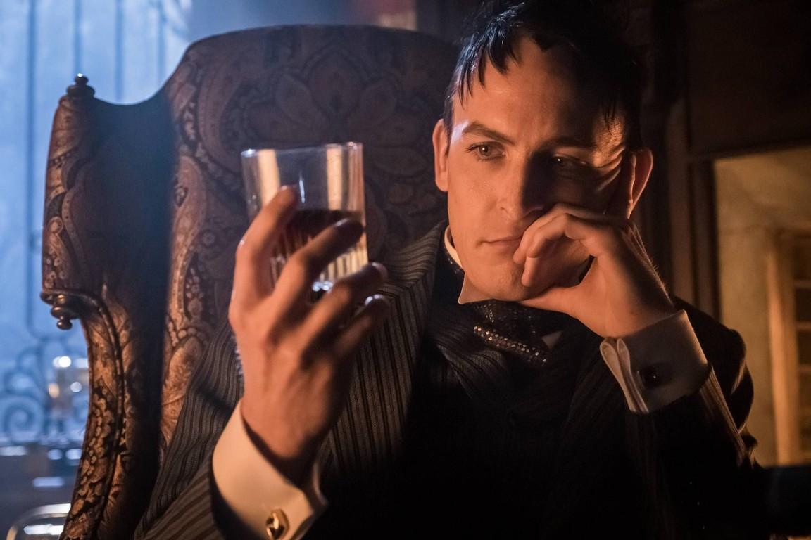 Gotham - Season 3 Episode 08: Mad City: Blood Rush