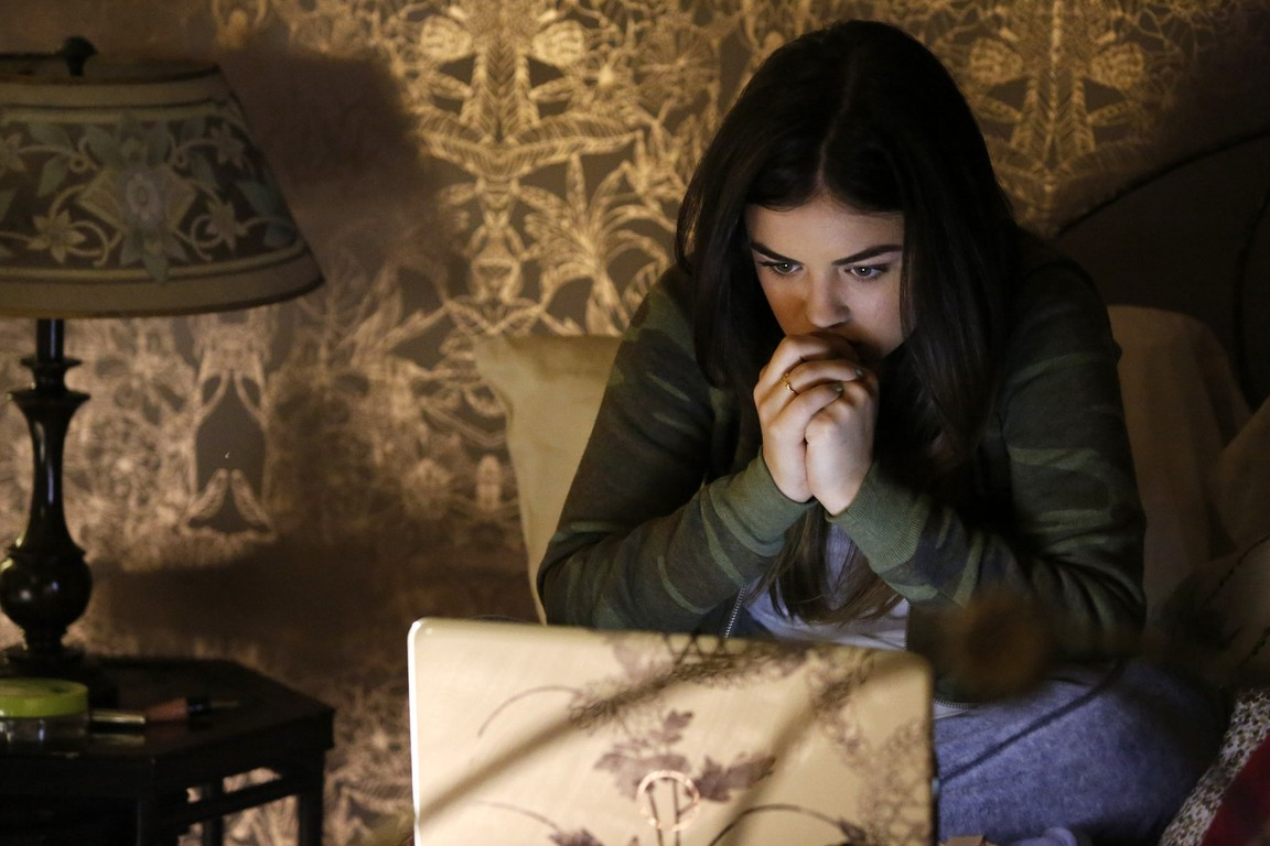 Pretty Little Liars - Season 5 Episode 04: Thrown From the Ride