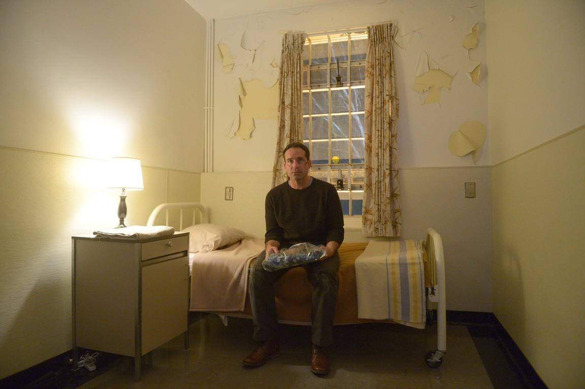 Wayward Pines - Season 2 Episode 1: Enemy Lines