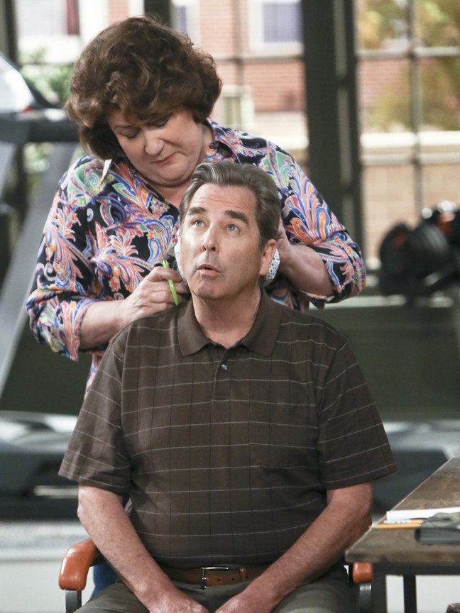 The Millers - Season 1 Episode 19: Cancellation Fee