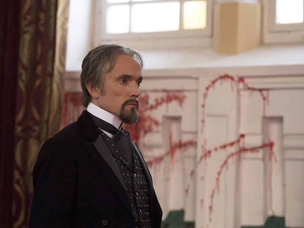 Dracula - Season 1 Episode 09: Four Roses