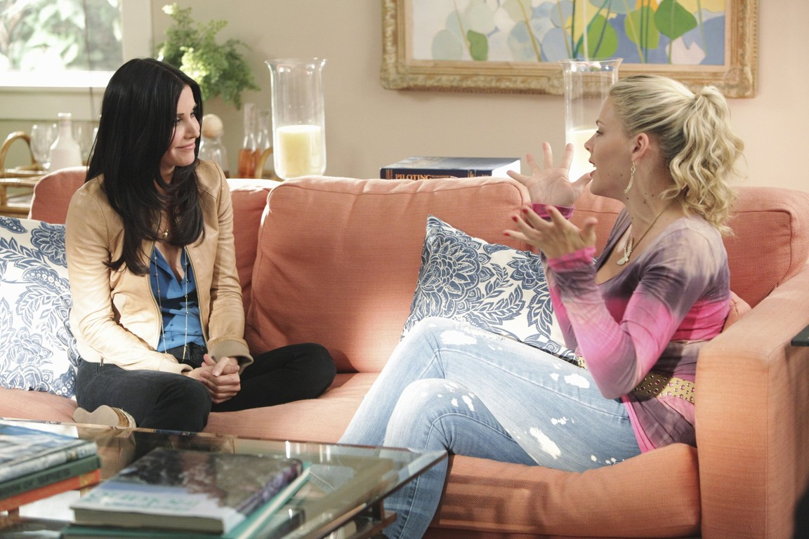 Cougar Town - Season 2 Episode 12: A Thing About You
