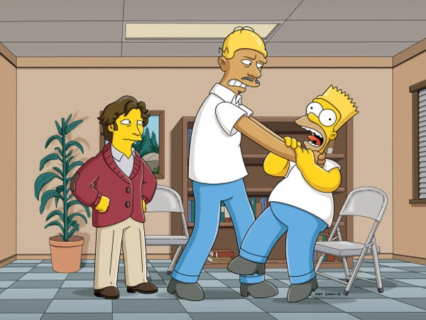 The Simpsons - Season 22 Episode 17: Love Is A Many Strangled Thing
