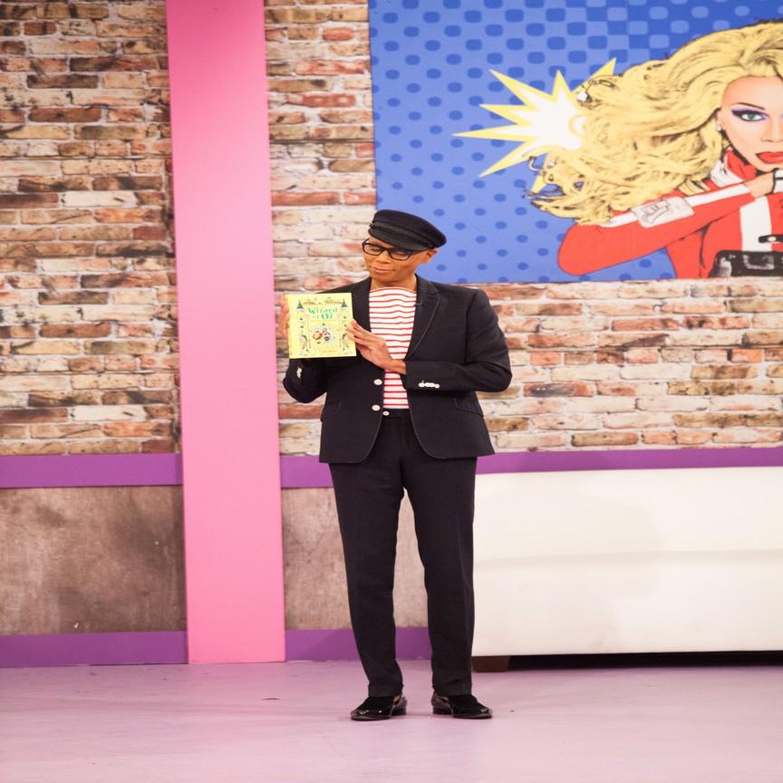 RuPaul's Drag Race - Season 8 Episode 06: Wizards of Drag