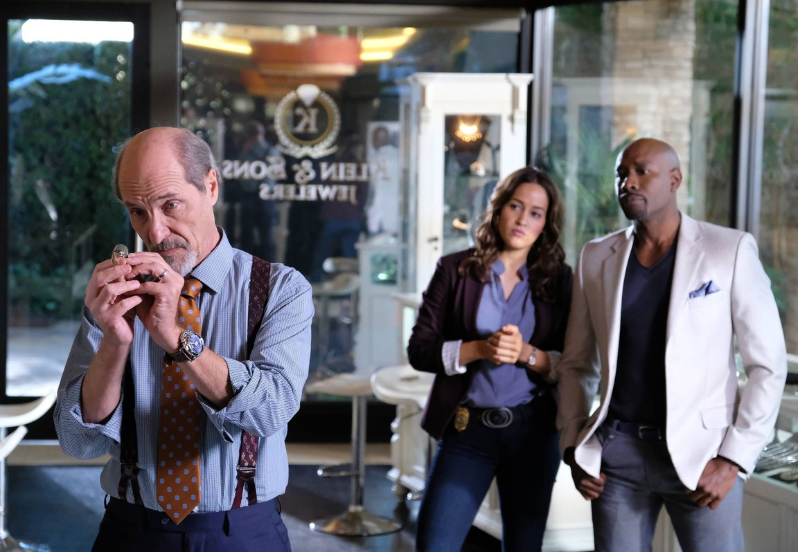 Rosewood - Season 2 Episode 14: White Matter and the Ways Back