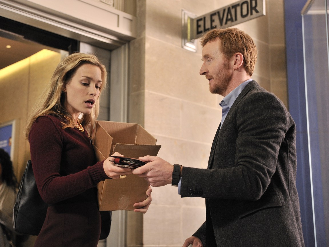 Covert Affairs - Season 2 Episode 15: What's The Frequency, Kenneth?