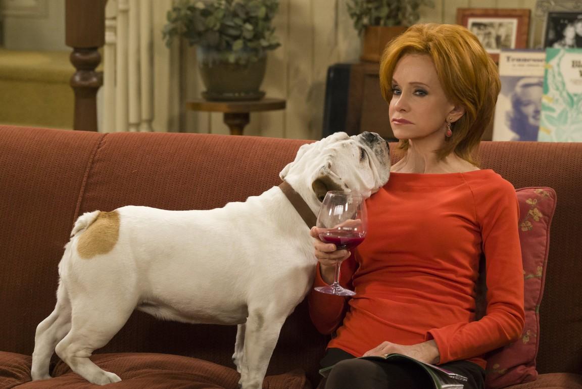 Mike & Molly - Season 6 Episode 07: Weekend With Birdie