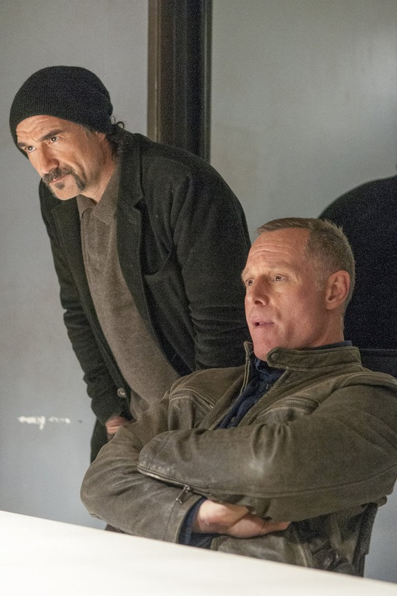 Chicago P.D. - Season 2 Episode 18: Get Back to Even
