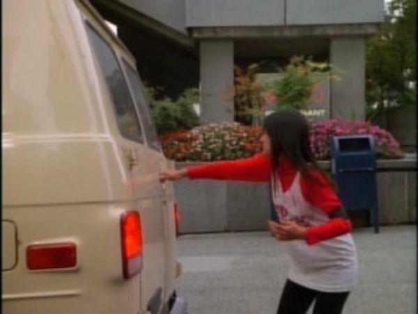 MacGyver - Season 6 Episode 21: Hind-Sight
