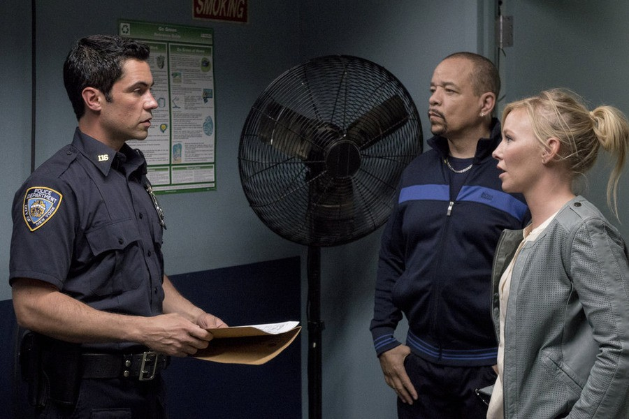 Law & Order: Special Victims Unit - Season 16 Episode 01: Girls Disappeared