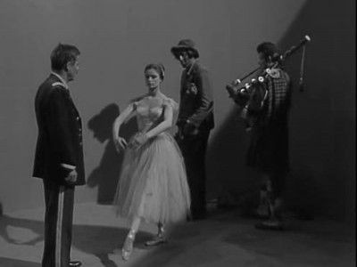 The Twilight Zone - Season 3 Episode 14: Five Characters in Search of an Exit