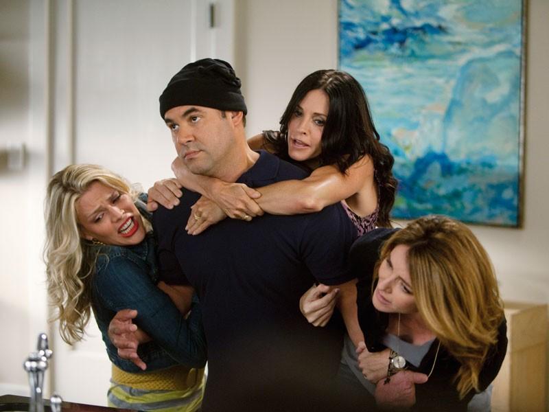 Cougar Town - Season 2 Episode 03: Makin' Some Noise