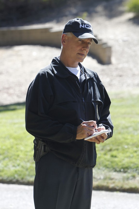 NCIS - Season 12 Episode 04: Choke Hold