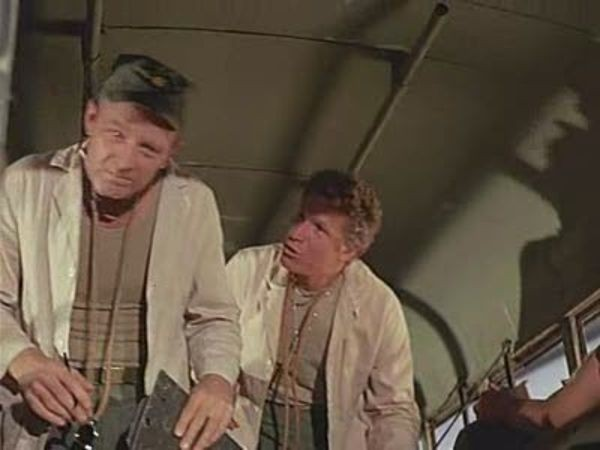 M*A*S*H - Season 3 Episode 13: Mad Dogs and Servicemen