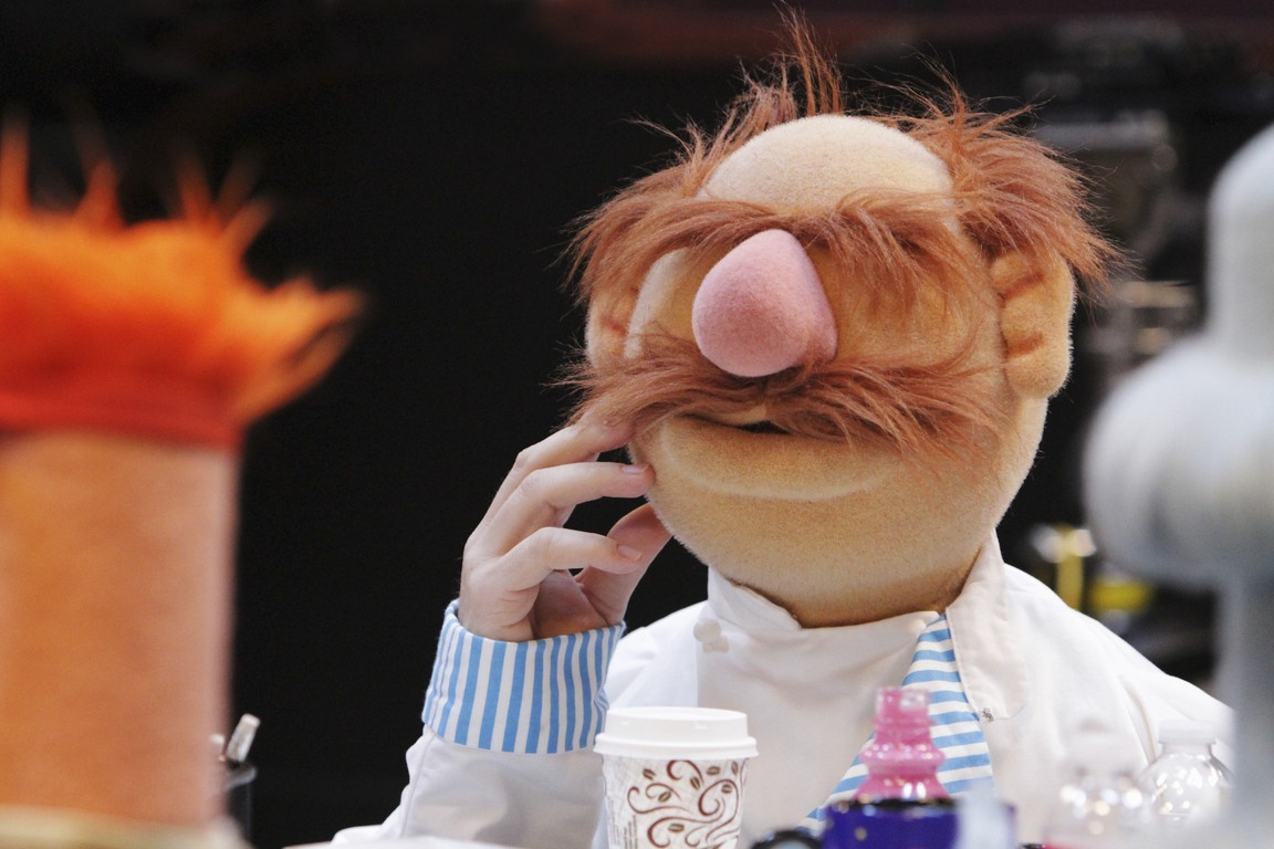 The Muppets - Season 1 Episode 04: Pig Out