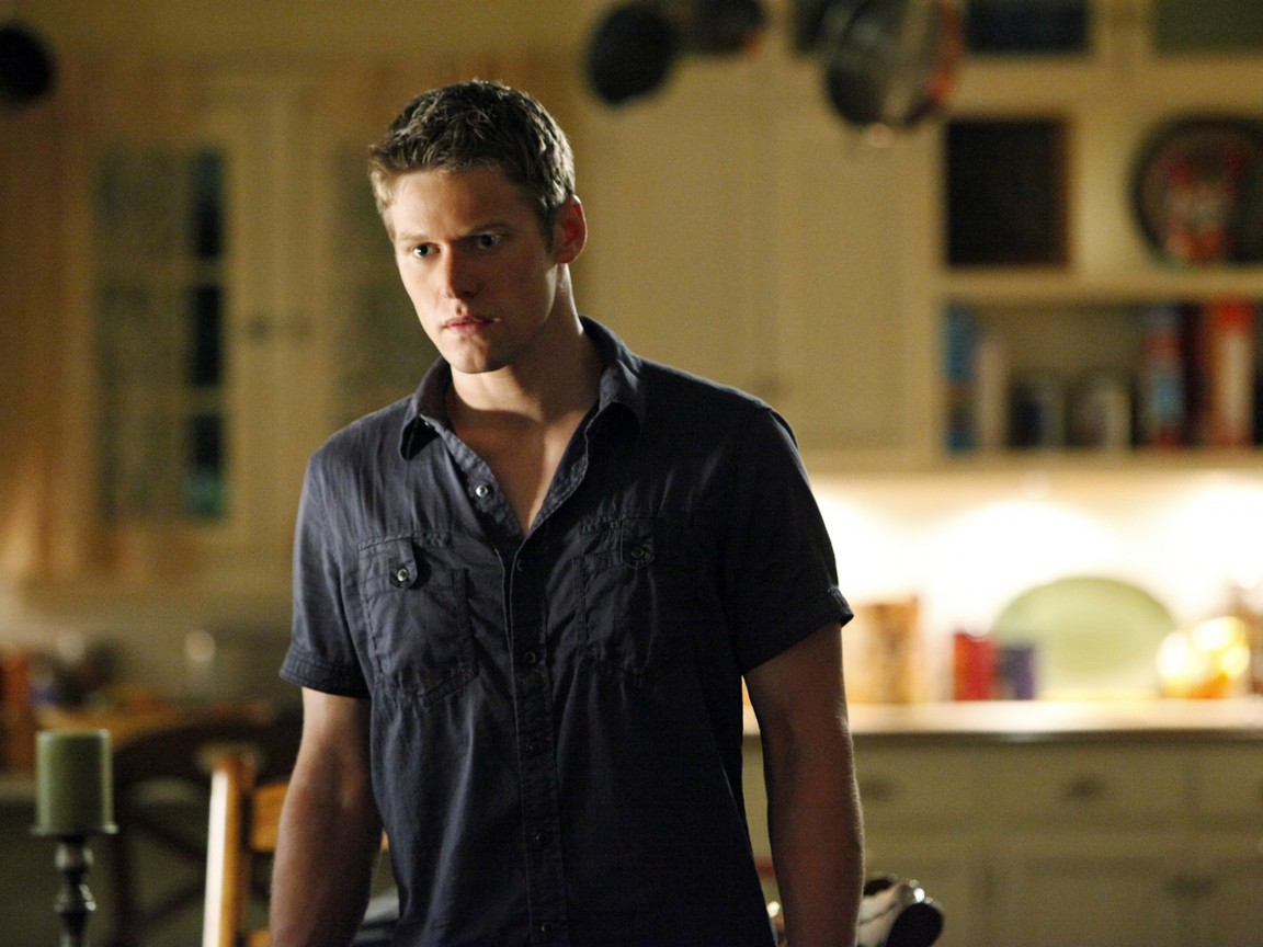 The Vampire Diaries - Season 3 Episode 02: The Hybrid