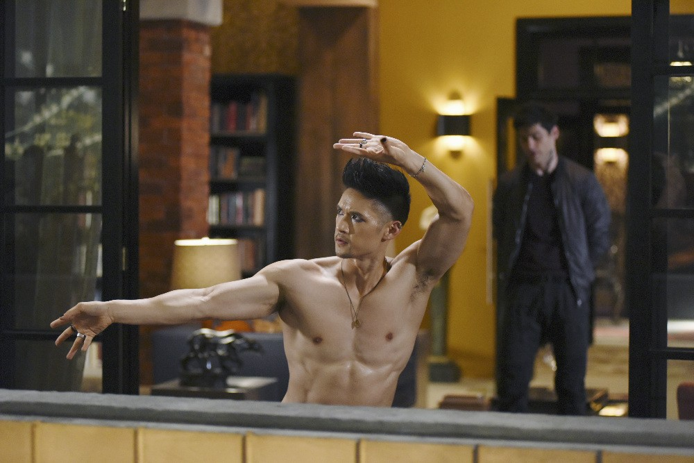 Shadowhunters - Season 2 Episode 01: The Guilty Blood