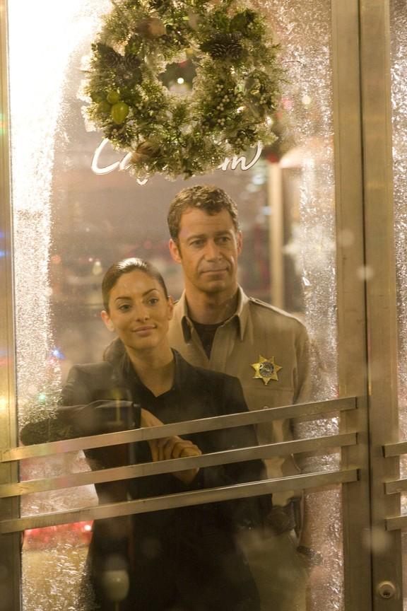 Eureka - Season 4 Episode 10: O' Little Town...