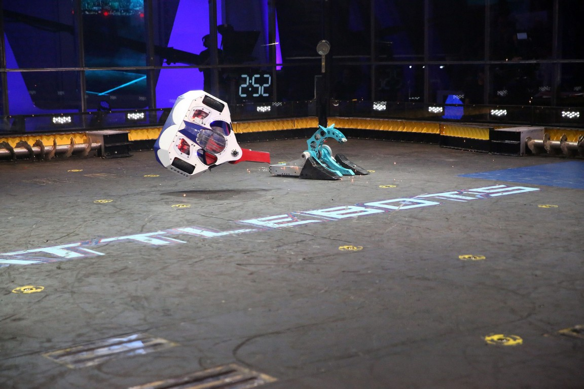 BattleBots - Season 2 Episode 02: There Will Be Bot Blood: The Qualifying Round Concludes