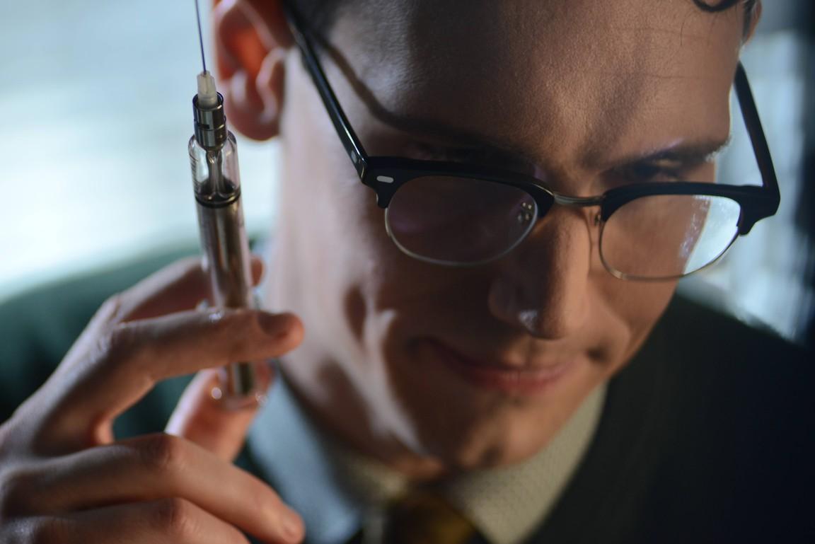 Gotham - Season 2 Episode 9: Rise of the Villains: A Bitter Pill to Swallow