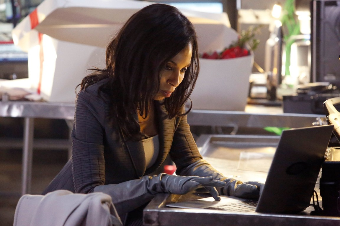 Scandal - Season 3 Episode 17: Flesh and Blood