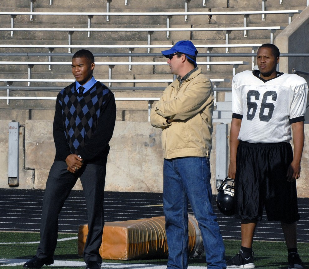 Friday Night Lights - Season 2 Episode 15: May the Best Man Win