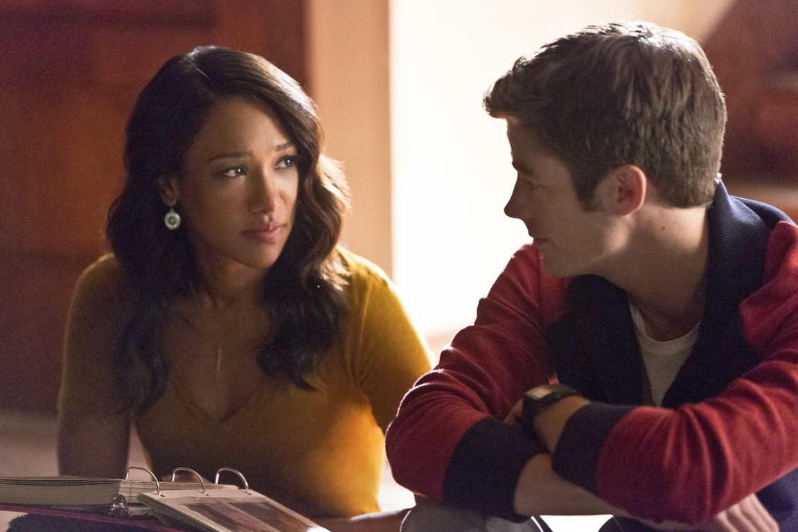 The Flash - Season 2 Episode 03: Family of Rogues