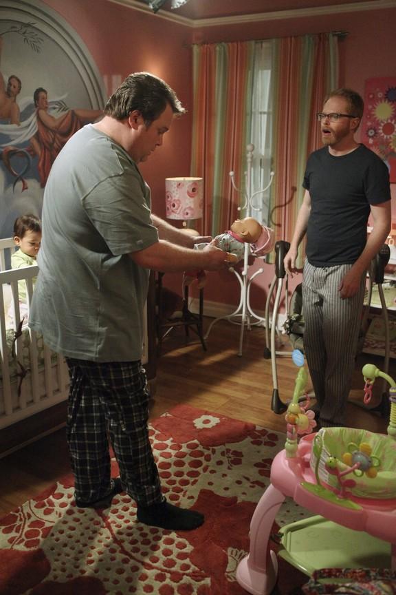 Modern Family - Season 1 Episode 16: Fears