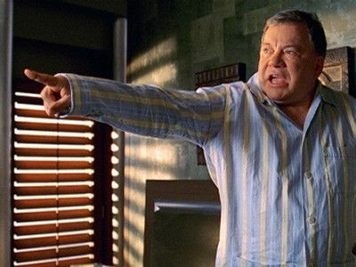 Boston Legal - Season 2 Episode 18: Shock and Oww!