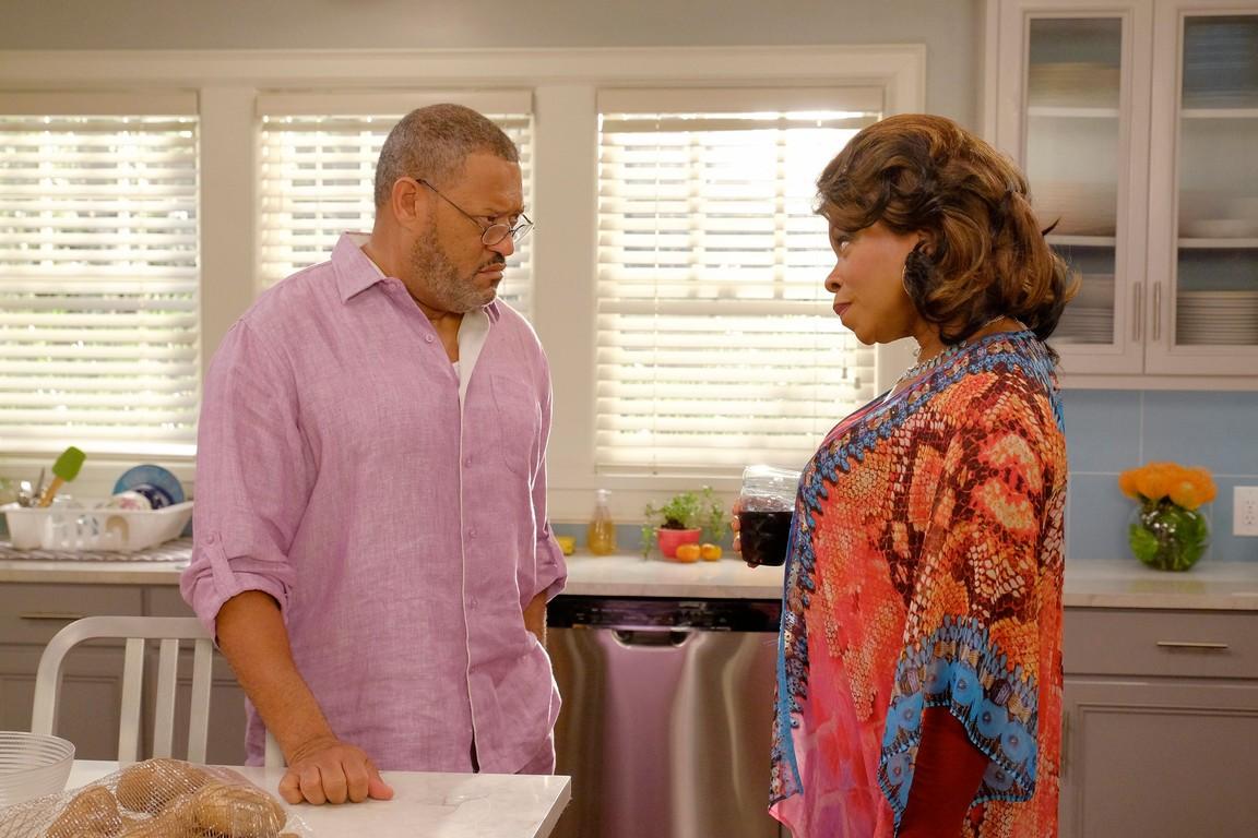 Black-ish - Season 3 Episode 07: Auntsgiving