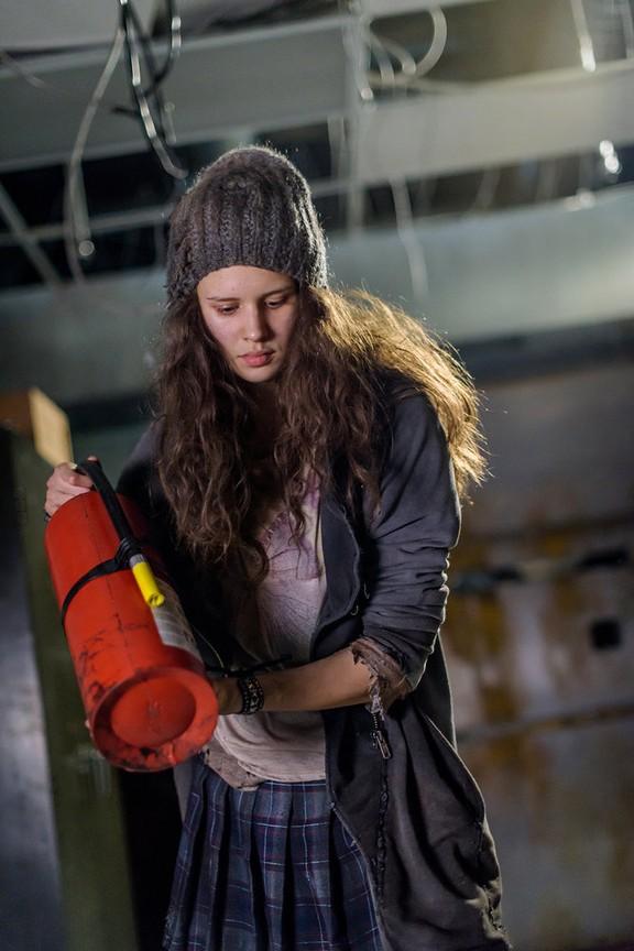 Van Helsing - Season 1 Episode 01: Help Me