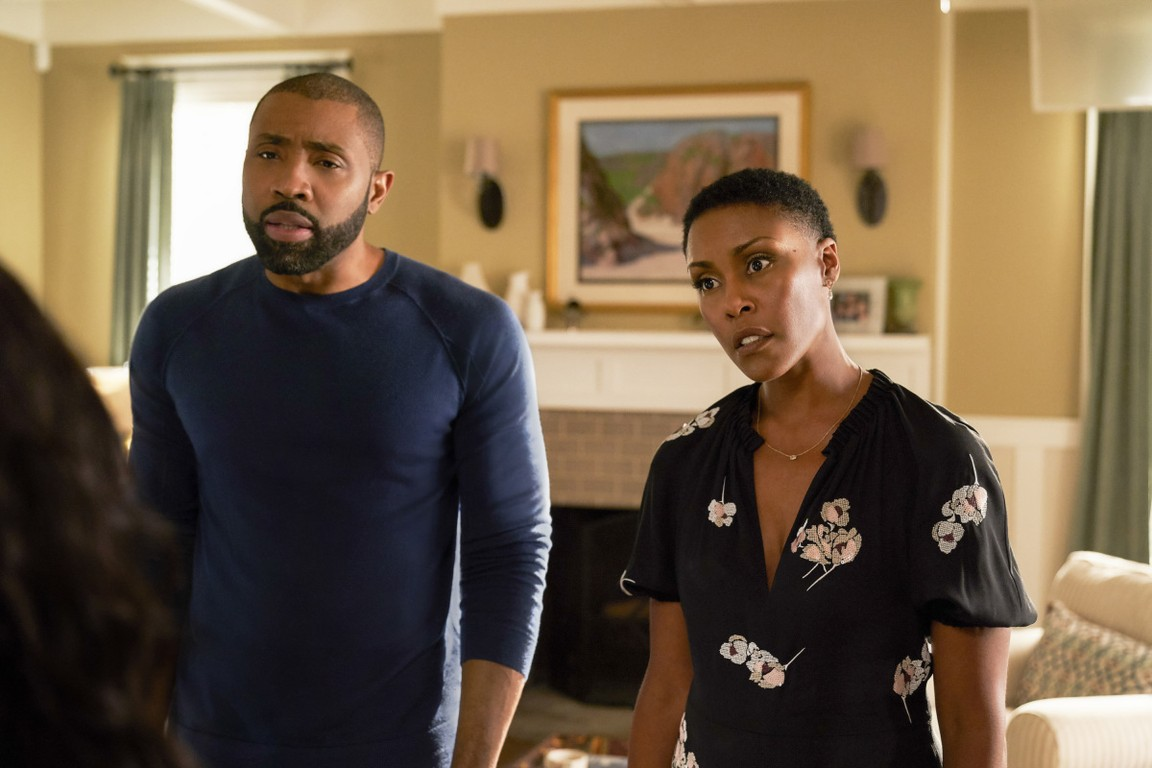 Black Lightning - Season 1 Episode 05: And Then the Devil Brought the Plague: The Book of Green Light