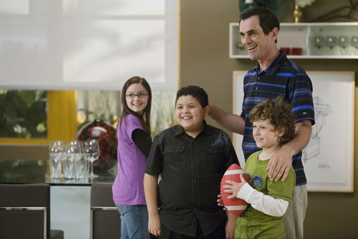 Modern Family - Season 1 Episode 05: Coal Digger