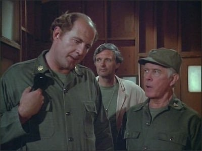 M*A*S*H - Season 8 Episode 01: Too Many Cooks
