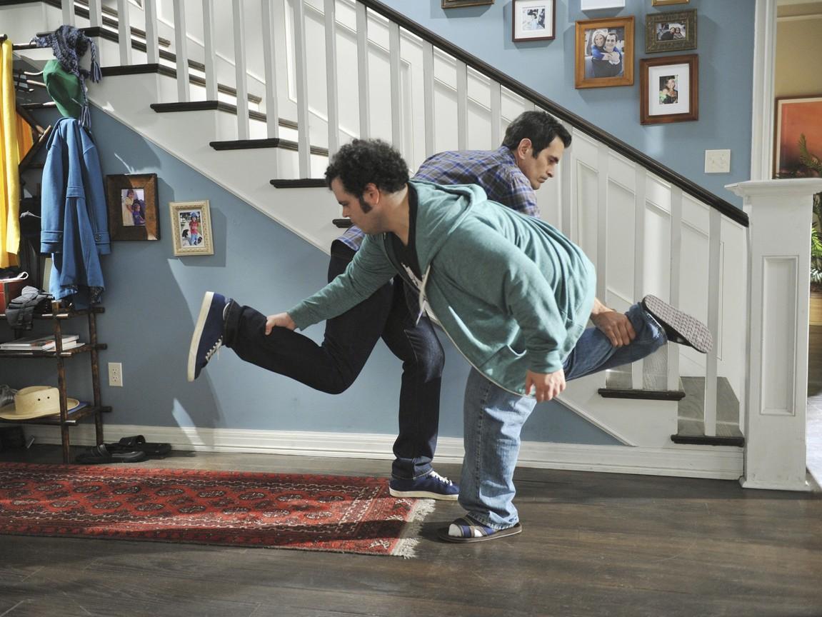 Modern Family - Season 3 Episode 09: Punkin Chunkin