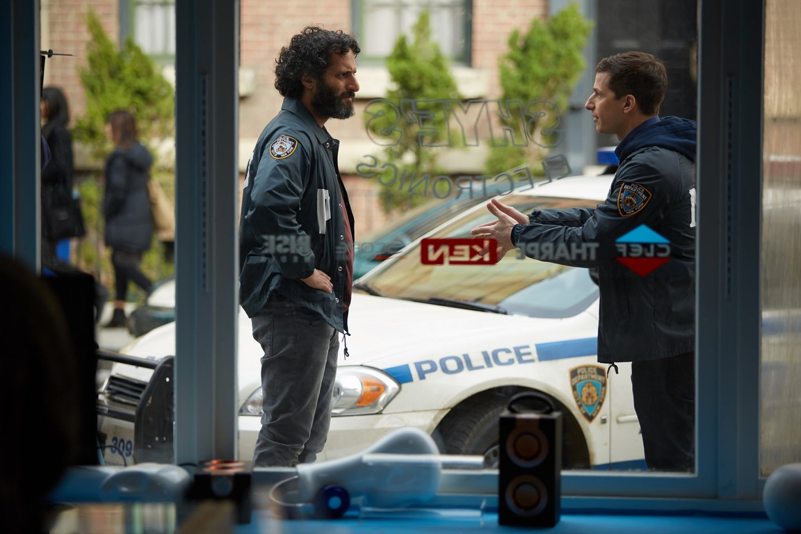 Brooklyn Nine-Nine - Season 3 Episode 17: Adrian Pimento