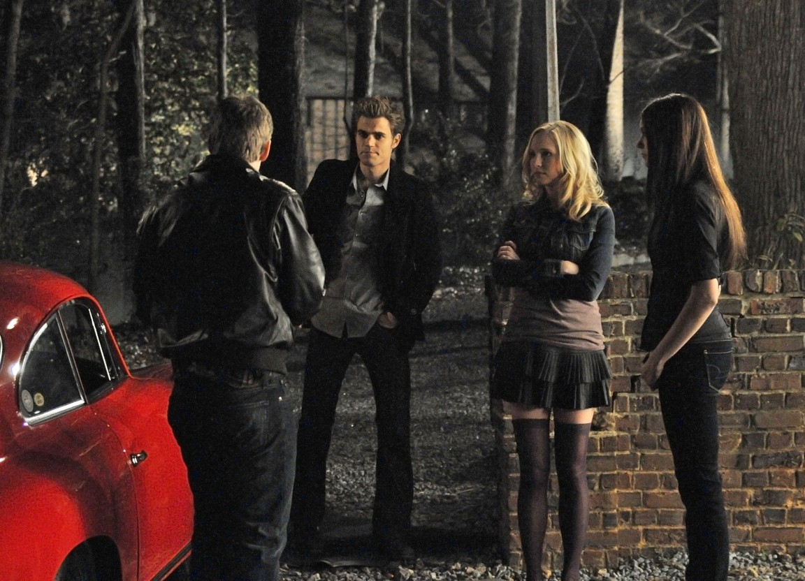 The Vampire Diaries - Season 1 Episode 16: There Goes the Neighborhood