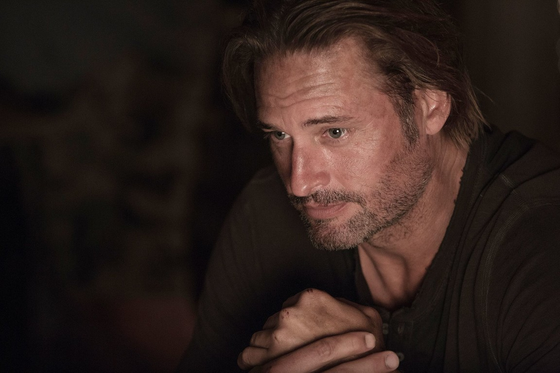 Colony - Season 2 Episode 02: Somewhere Out There