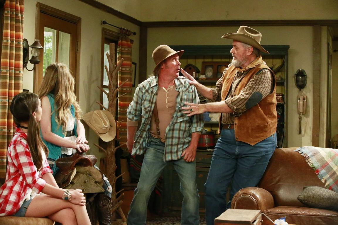 Girl Meets World - Season 2 Episode 21: Girl Meets Texas: Part 2