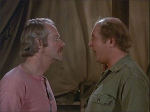 M*A*S*H - Season 8 Episode 14: Stars and Stripes