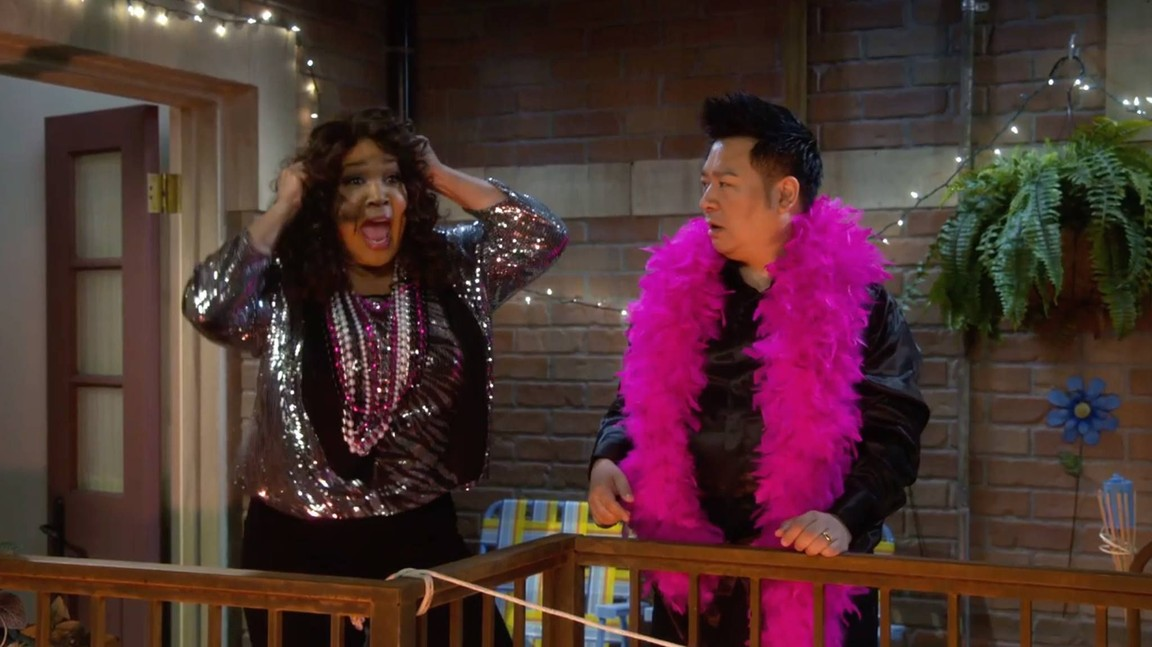 Young and Hungry - Season 2 Episode 18: Young & Doppelganger