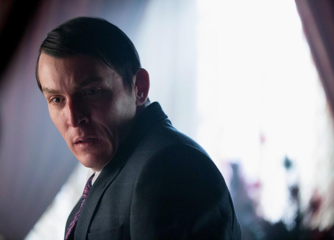 Gotham - Season 2 Episode 16: Wrath of the Villains: Prisoners