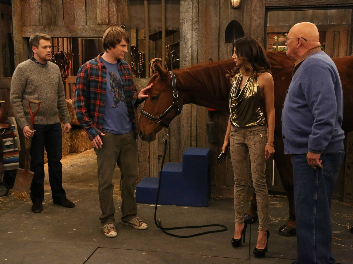 Anger Management - Season 2 Episode 14: Charlie And Kate Horse Around