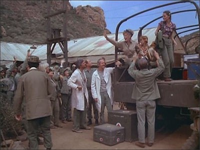 M*A*S*H - Season 10 Episode 01: That's Show Biz